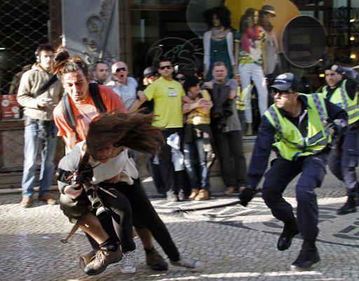 agressc3a3o-policia-fotojornalista